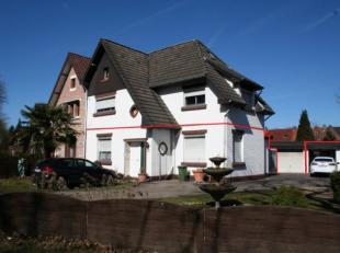 Gelijkvloers appartement met veranda, tuin en garage te huur. Geen gemeenschappelijke kosten!Dit appartement is gelegen op het gelijkvloers aan de Ond