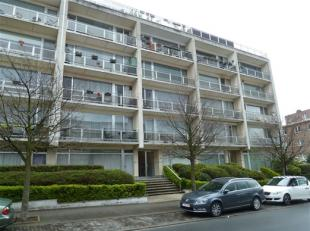 LAEKEN / Idéalement situé, à proximité des transports et des commerces, bel appartement de ±83m² au 2èm
