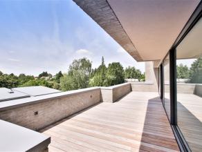 Waterloo, idéalement situé, splendide duplex penthouse de 129m² avec terrasses de 20m² bien orientées et offrant une vu