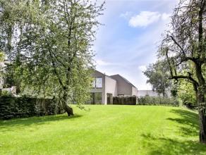 Waterloo, au calme absolu, découvrez cette splendide maison en terrain de fond de 169m² avec jardin privatif orienté Sud Ouest de 7