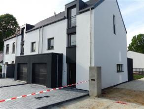 Située au cœur de Waterloo, dans le quartier du Chenois, nouvelle promotion composée de 2 maisons (2 et 3 façades) de qualit&eacu