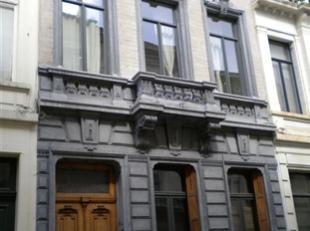 BRUXELLES limite SAINT-JOSSE-TEN-NOODE, à proximité des Institutions Européennes, des stations de métro (Madou et Arts Loi