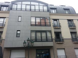 SAINT-JOSSE-TEN-NOODE, à 150m de la rue Neuve, dans un immeuble de 2005, très agréable appartement de ±122m² habitabl