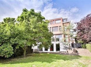 WOLUWE-SAINT-PIERRE, jouissant d'une excellente situation, à 2 pas du parc de la Woluwe, dans un quartier résidentiel, magnifique maison