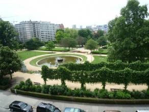 BRUXELLES, offrant une des plus belles vues sur le square Ambiorix, à proximité du quartier Européen, superbe appartement de &plu