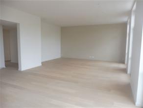 """E2 - BRUXELLES, appartement NEUF de haut-standing dans le nouveau projet """"Lake View"""", idéalement situé à proximité du quar"""