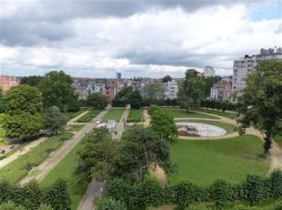 BRUXELLES, quartier EU, sur le square Ambiorix, à proximité de toutes commodités, appartement de ±135m² au 7èm