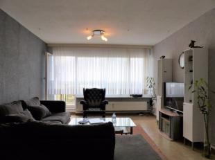 Met plezier presenteren wij dit top gelegen appartement op de 10e verdieping dat beschikt over een inkomhal, woonkamer, keuken, badkamer, é&eac
