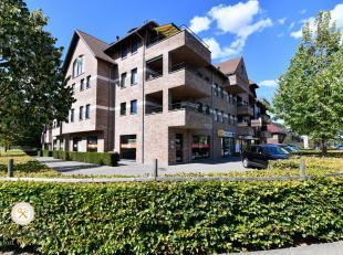 Op de Collegelaan treffen wij dit mooie appartement in Residentie Brethof II aan.  Het appartement, gelegen op de eerste verdieping heeft een bewoonba