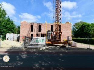 In de Halstraat zijn twee prachtige casco-woningen in de maak! Je koopt hier een ruwbouw, volledig wind- en waterdicht. Het fijne aan een casco-woning