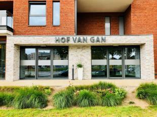 Seniorencampus Hof van Gan is gelegen op de voormalige stelplaats van De Lijn aan de stadsrand van Genk, vlak tegen het 'Franse bos'. vzw Foyer de Lor