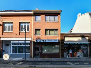 Pal in het centrum van Genk staat dit handelshuis van 263m² bew. opp. op de Grotestraat nr. 62 te koop aan een zeer interessante prijs! De mogeli