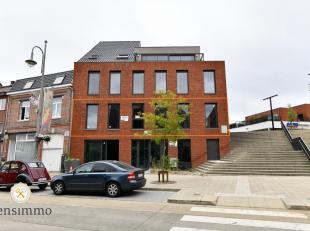 Wij bieden 4 handelspanden aan waarvan deze van 261m² met terras uitkijkt op de Vennestraat en Aldi/C-Mine. Uiterst drukke trafiek van passanten