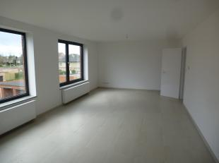 Knap gerenoveerd penthouse appartement op de 2e verdieping, gelegen vlakbij de dorpskern van Vlimmeren.<br /> <br /> Het appartement heeft een grote o