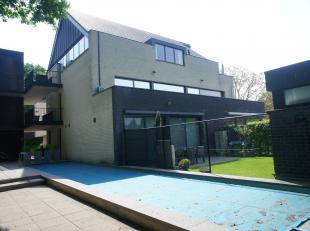Zee ruim en luxueus appartement met drie slaapkamers, terras van 40 m², gemeenschappelijk verwarmd zwembad, sauna en zonneterras met tuin. Zeer r