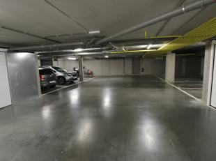 Garage à vendre                     à 2650 Edegem