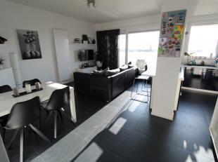 Modern appartement met terras gelegen in Antwerpen centrum!<br /> <br /> Het appartement is ingedeeld als volgt: ruime leefruimte met veel lichtinval