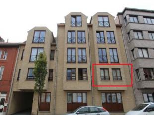 Bezoeken? Telefoneer naar Gertjan via: 0472/06.06.91 Dit 2 slaapkamer appartement is gelegen nabij de Brusselsesteenweg in Ledeberg. Dichtbij de Delha
