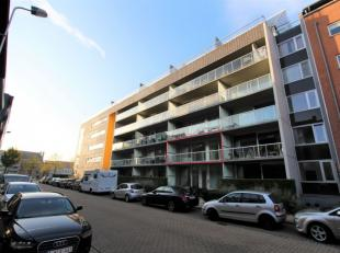 Bezoeken? Telefoneer naar Gertjan via: 0472/06.06.91 Dit 1slpk appartement is gelegen aan de Portus Ganda, onmiddellijk naast de groene Sint-Baafssite