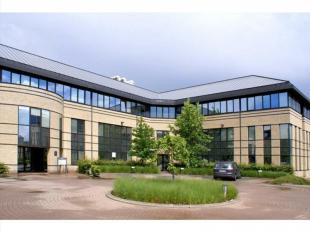 Greenhill campus ligt in het welbekende researchpark te Heverlee. Het is een stijlvol kantorenpark met unieke uitstraling in een groene omgeving.