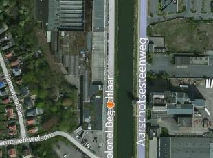 Parking Vrachtwagens, Parking PersonenwagensHoogte: 8 mGelijkvloerse poort: 1Verlichting: 150 LUX