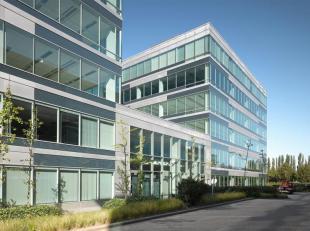 Leopoldplein is een gloednieuw kantorenpark van 4 hoog technologische gebouwen. Het park is gelegen op Vlaams grondgebied, geadresseerd te Brussel. Do