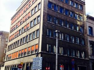 Het kantoorgebouw is gesitueerd in het centrum van de Leopoldswijk. Het kantoor wordt omringd door de belangrijke spelers van de Europese Commissie, d