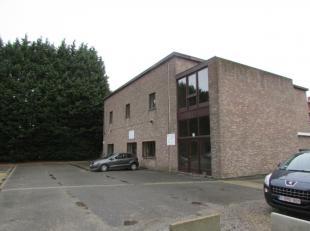 Campus Remy est un parc d'affaires situé sur le Vaartdijk à Louvain. Dans ce complexe de bureaux, magnifiquement rénové, n
