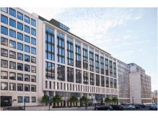 Tweed is een omvangrijk project met lichte, comfortabele kantoorruimtes, verspreid over 12 verdiepingen. Op de begane grond ademt het inspirerende atr