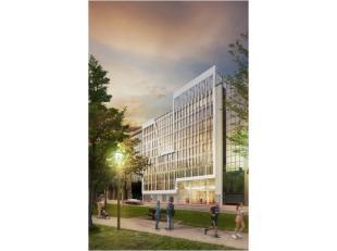 SEVEN is gelegen op het kruispunt tussen de Brusselse kleine ring en de Noordwijk. Het project omvat een totale kantooroppervlakte van circa 15.000m&s