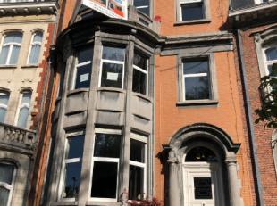Maison de Maître BUREAU à Louer sur Bruxelles, idéalement situé, facilement accessible en voiture, a coté du ring.Tr