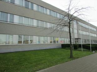 Bureaux à lavenue de laéroport avec une bonne visibilité, à proximité de la gare de Vilvoorde. Zones flexibles avec