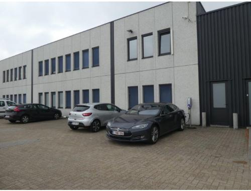 Bâtiment d'entreprise à louer à Zellik, € 3.246