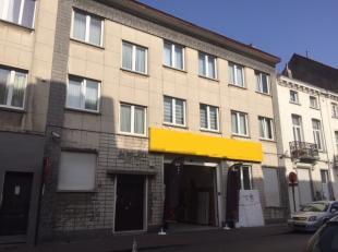 Eigendom in goede staat te koop gelegen te Brussel, in de deelgemeente Schaarbeek, niet ver van het Noord Station. Het gebouw bestaat uit een commerci