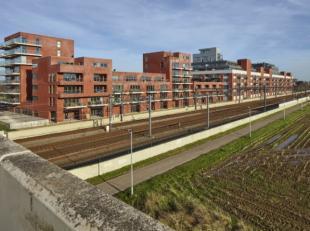 Kantoren te koop op een gemengde site in Herent. 1298m² aan kantoren/commerciële ruimte. De ruimte kan verkocht worden in zijn geheel, maar