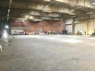 Opslagruimte van +/- 1.275 m² te huur op een toplocatie in Vorst. Vlakbij de R0, op minder dan 1 km.De opslagruimte beschikt over een vrije hoogt