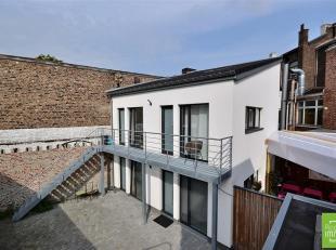 A proximité immédiate de la gare Liège-Guillemins, dans un petit immeuble paisible entièrement rénové avec s