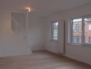 Dit riant penthouse met een bewoonbare oppervlakte van maar liefst 125 m² is gesitueerd op de tweede verdieping in een kleinschalige residentie e