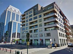 Dit volledig gemeubeld investeringsappartement is gelegen in een perfect onderhouden residentie van 2008 op wandelafstand van de Nieuwstraat, metro Ro