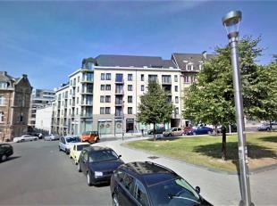 Gelegen op de Keizerslaan 27 in de trendy en chique Zavelwijk, in het hartje van Brussel, op wandelafstand van het Centraal station en de Grote Markt,