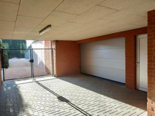 Deze parking bevindt zich in de recente residentie De luibank, binnen de ring van Leuven, meer bepaald in de Kaboutermansstraat 103-105, parking 18. D