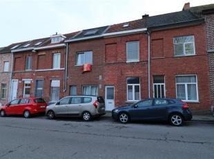 Deze welgelegen en volledig instapklare woning met 3 slaapkamers beschikt over een netto-bewoonbare oppervlakte van 91m². Dit eigendom omvat op h