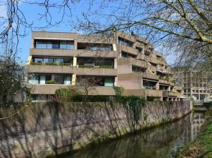 Midden in het historisch centrum van Leuven, zijn wij vereerd dit ruim  appartement op een topligging te koop aan te bieden. Dit appartement van het b