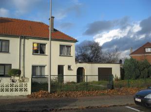 Het huis is gelegen in Zwartberg - Genk.<br /> Openbaar vervoer , school en winkelstraat in de nabijheid.<br /> <br /> Het huis heeft een perceel v
