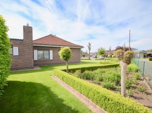 Deze bungalow heeft ongetwijfeld hét mooiste grasplein van Ertvelde ! Zowel binnen als buiten is deze woning in absolute nieuwstaat ! Het woonh