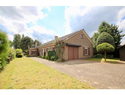 Maison à vendre à Oostakker, € 410.000