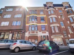 A proximité du Parc Duden, des commerces et des écoles, appartement de 75m² situé dans une petite copropriété