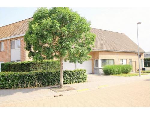 Eengezinswoning te koop in Kortrijk, € 420.000