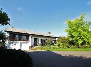 In een groene en rustige omgeving te Wevelgem, vinden we deze villa op een perceel van 2070 m².<br /> Dankzij de gunstige ligging vindt u er scho