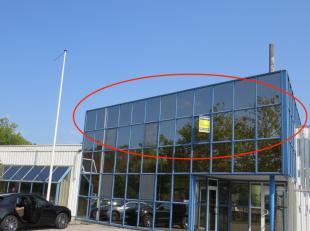 Kantoorruimte te huur in industriezone 'Hellebeemden'  te Hasselt, grote ruimte van 42m2, ruimte van 20m2, ruimte van 16m2, keuken, badkamer en bergin